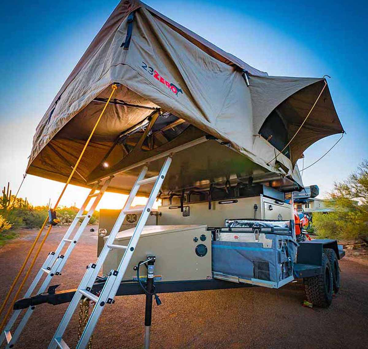 roof top tent on trailer with ladder